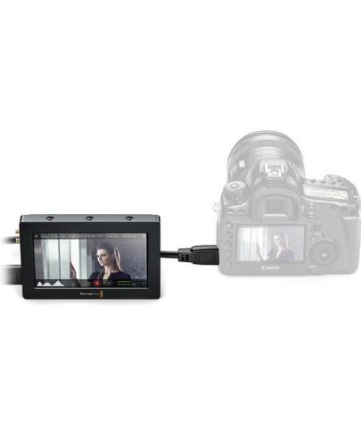 Blackmagic Design Video Assist HDMI/6G-SDI Recorder and 5″ Monitor